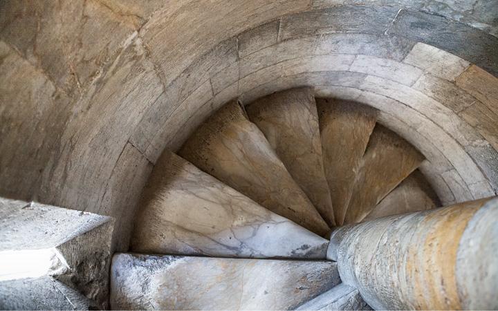 Scale a chiocciola della Torre
